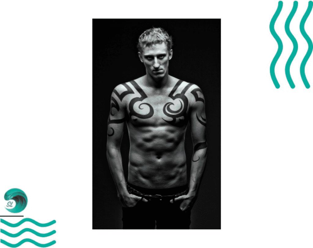 Татуировки у пловцов. Никита Коновалов