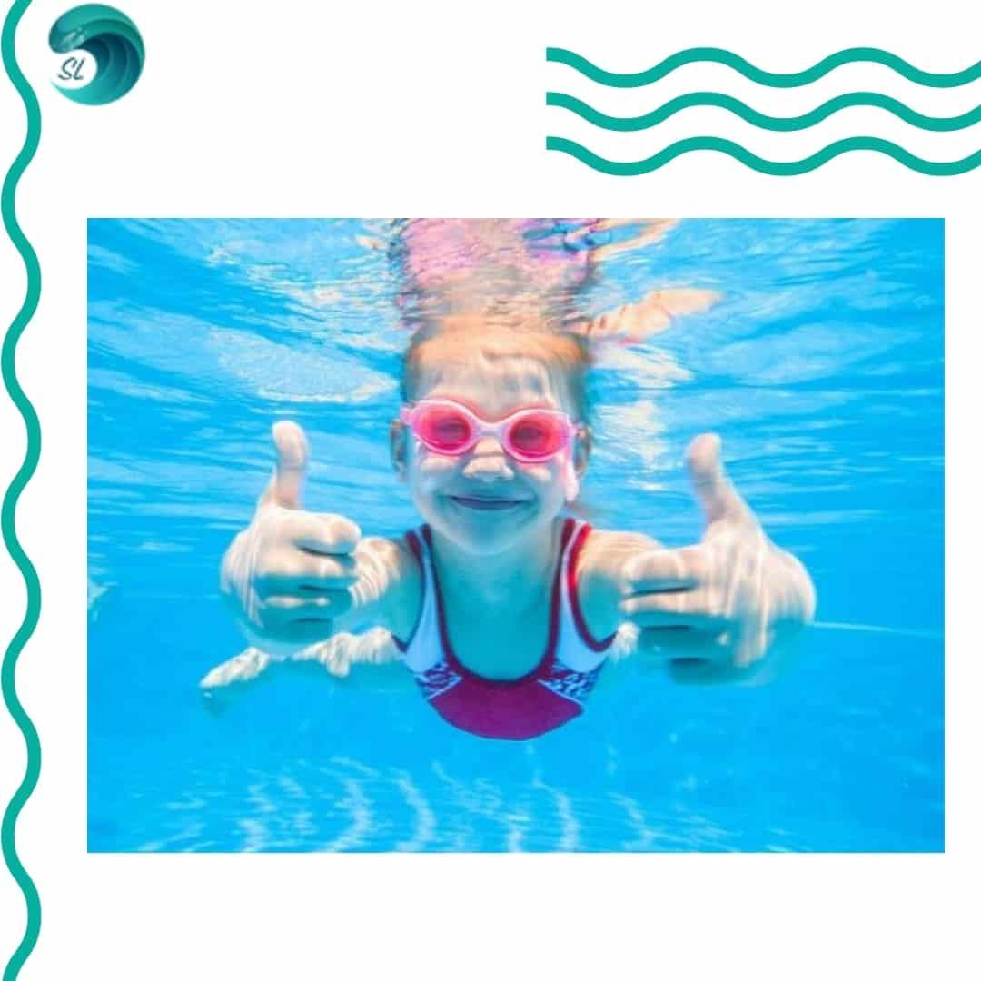 plavanie-dlya-detej-v-bassejne